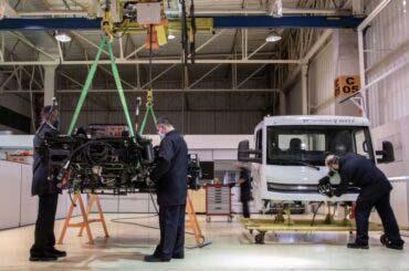 VW inicia ensamblaje de primeros camiones eléctricos e-Delivery