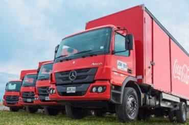 Daimler Colombia entrega flota de camiones Mercedes-Benz a Renting Colombia